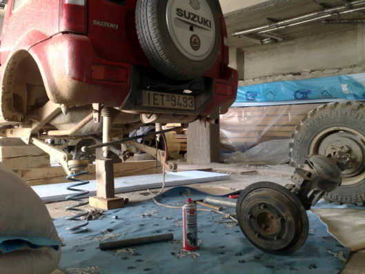 Switching axles on a Jimny